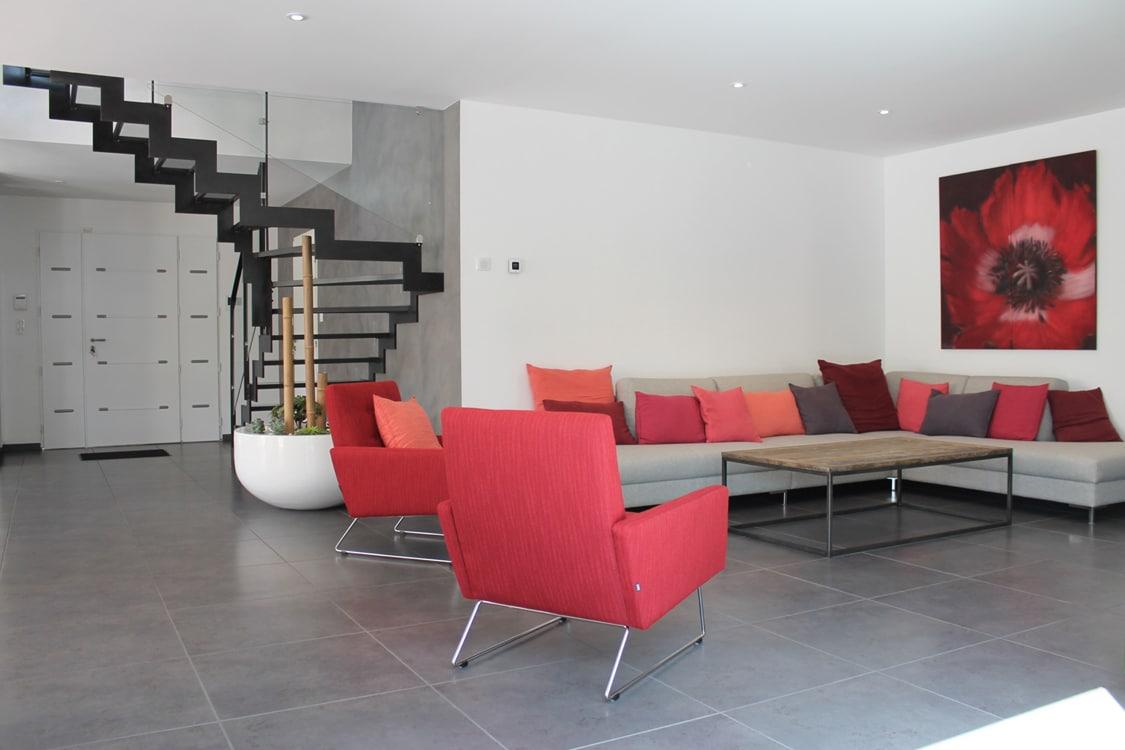 Salon design d'une maison contemporaine SATOV