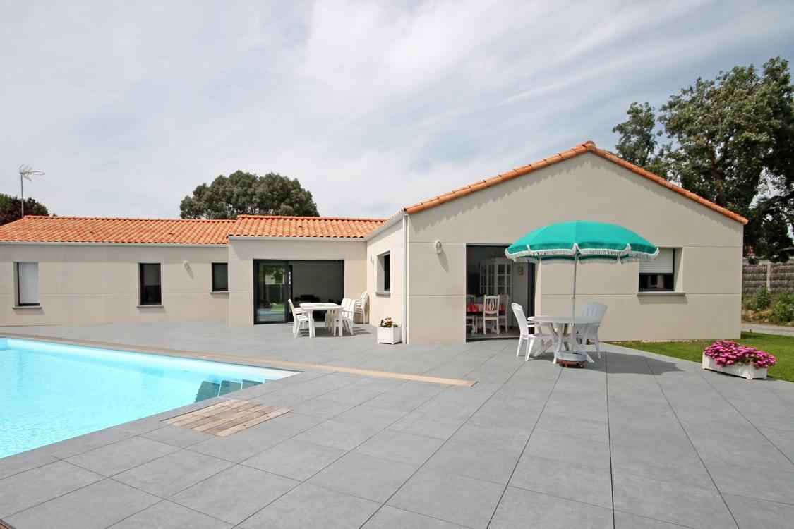Maison personnalis e vend e satov constructeur maison for Constructeur maison 66